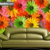 Una agradable pared decorada con flores